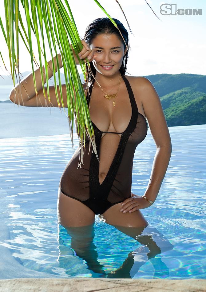 Esti ginzburg model 2011 sports illustrated swimsuit edition.