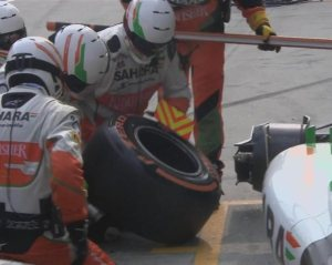 f1-2013-malaysia-force-india-pit-stop