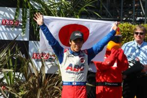 indycar-2013-long-beach-sato-victory-lane