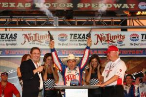 indycar-2013-texas-castroneves-victory-lane