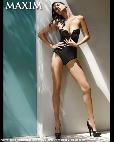 bond girl silhouette vector HXUr