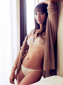 rashida-jones-gq11-05