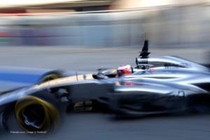 f1-2014-bahrain-test-magnussen-mclaren
