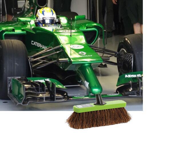 f1-2014-caterham-broom