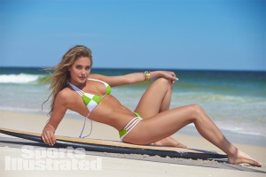 hannah-davis-sipreview14-01