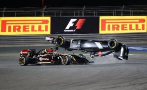 f1-2014-bahrain-maldonado-gutierrez-crash
