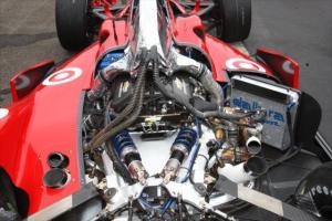 indycar-2014-barber-kanaan-engine