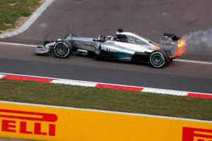 f1-2014-hungary-hamilton-qualifying-fire