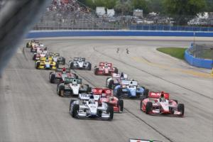 indycar-2013-milwaukee-start