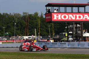 indycar-2014-midohio-dixon-checkered-flag