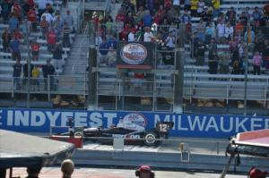 indycar-2014-milwaukee-power-checkered-flag