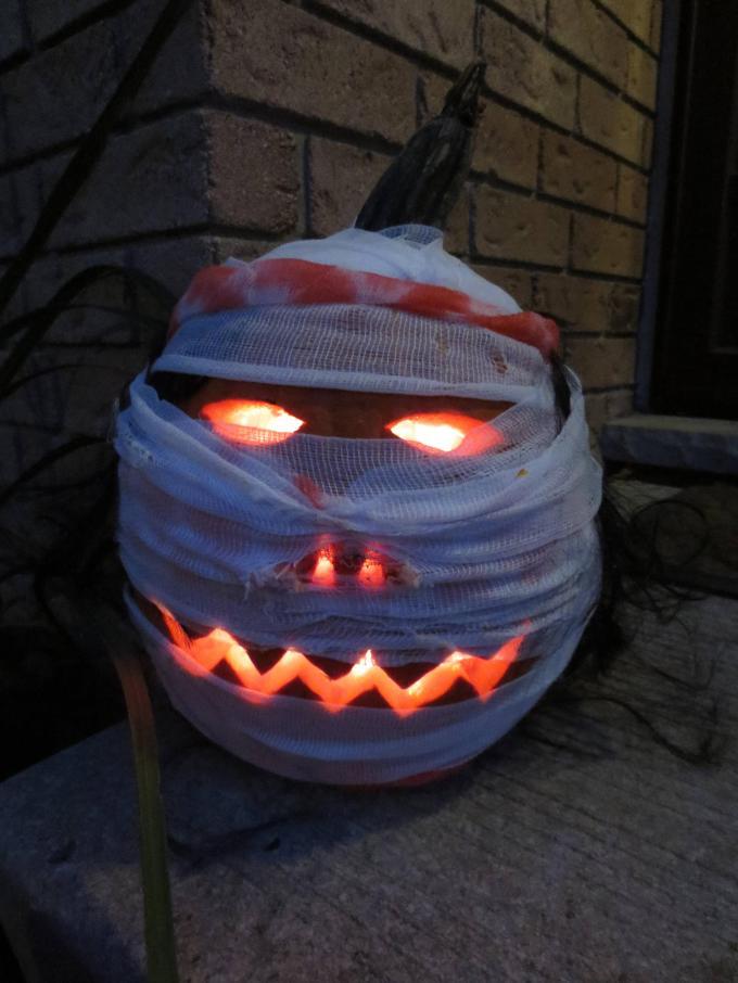 mummy-jack-o-lantern