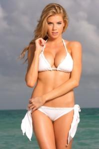 charlotte-mckinney-summerlove14-01