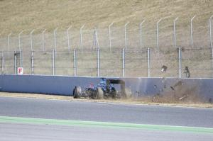 f1-2015-preview-alonso-crash