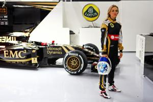 f1-2015-preview-carmen-jorda-lotus