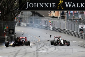 f1-2015-monaco-verstappen-crash