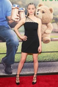 Amanda-Seyfried-Ted2-Premiere