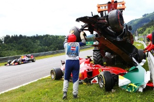 f1-2015-austria-raikkonen-alonso-crash