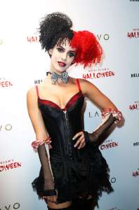 jessica-lowndes-halloween15-01