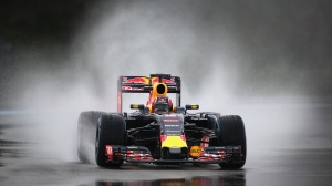 f1-2016-pirelli-test-kvyat-red-bull