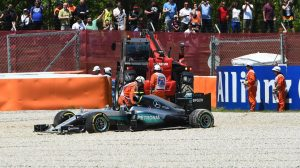 f1-2016-spain-mercedes-crash